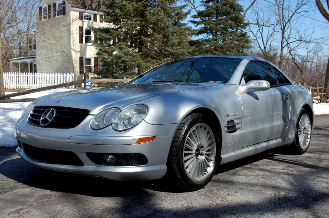 2005 Silver Mercedes-Benz SL-Class SL55 AMG (WDBSK74F35F) with an 5.4L V8 SOHC 24V SUPERCHARGED engine, 5-Speed Automatic Overdrive transmission, located at 6528 Lower York Road, New Hope, PA, 18938, (215) 862-9555, 40.358707, -74.977882 - Photo #0