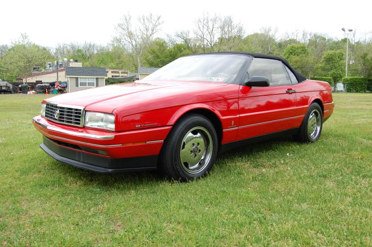 1993 Red /Tan Leather Cadillac Allante Base (1G6VS3397PU) with an 4.6L V8 DOHC 32V engine, 4-Speed Automatic Overdrive transmission, located at 6528 Lower York Road, New Hope, PA, 18938, (215) 862-9555, 40.358707, -74.977882 - Photo #0