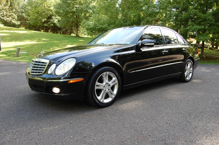 2007 /Black Leather Mercedes-Benz E-Class E320 BLUETEC (WDBUF22X27B) with an 3.0L V6 DOHC 24V TURBO DIESEL engine, 7-Speed Automatic Overdrive transmission, located at 6528 Lower York Road, New Hope, PA, 18938, (215) 862-9555, 40.358707, -74.977882 - Photo #0