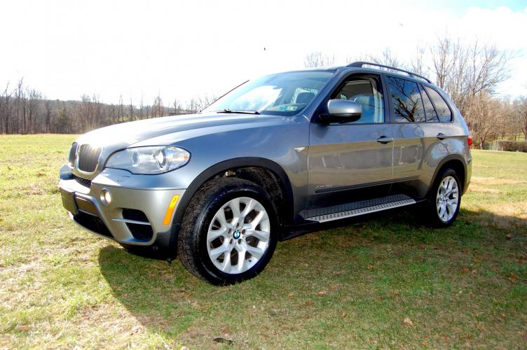 2012 Gray /Black Leather BMW X5 xDrive35i (5UXZV4C5XCL) with an 3.5L L6 DOHC 24V engine, 6-Speed Automatic transmission, located at 6528 Lower York Road, New Hope, PA, 18938, (215) 862-9555, 40.358707, -74.977882 - Photo #0