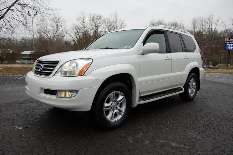 2007 /Tan Leather Lexus GX 470 Sport Utility (JTJBT20X270) with an 4.7L V8 DOHC 32V engine, 5-Speed Automatic Overdrive transmission, located at 6528 Lower York Road, New Hope, PA, 18938, (215) 862-9555, 40.358707, -74.977882 - Photo #0